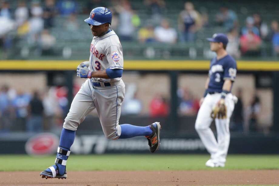 MILWAUKEE, WI - JUNE 09: Curtis Granderson #3 of the New York Mets runs the bases after hitting a solo home run during the first inning against the Milwaukee Brewers at Miller Park on June 09, 2016 in Milwaukee, Wisconsin. (Photo by Mike McGinnis/Getty Images) ORG XMIT: 607679239 Photo: Mike McGinnis / 2016 Getty Images