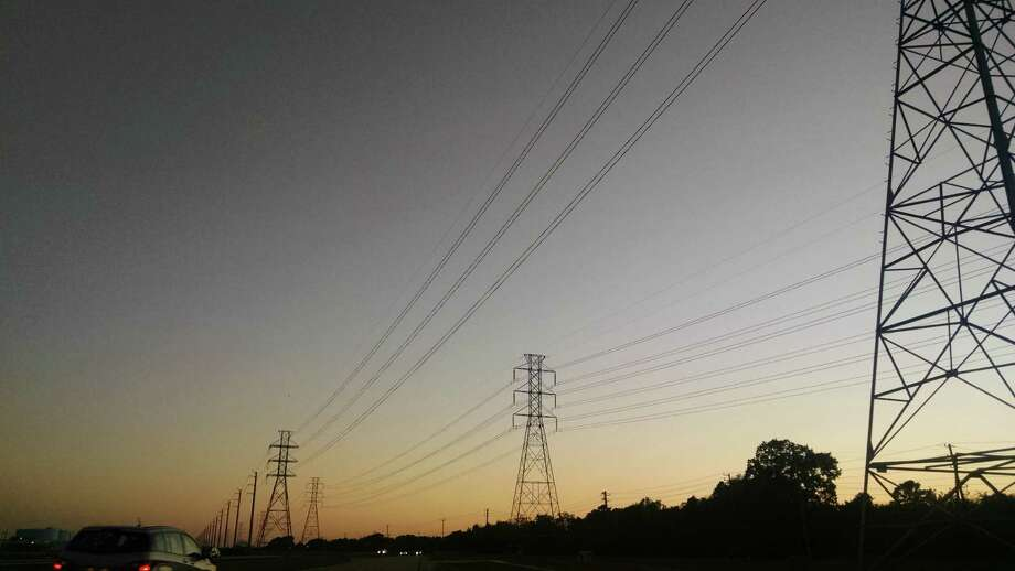 Power lines near Johnson Space Center in Harris County. Photo: Bill Montgomery, Houston Chronicle