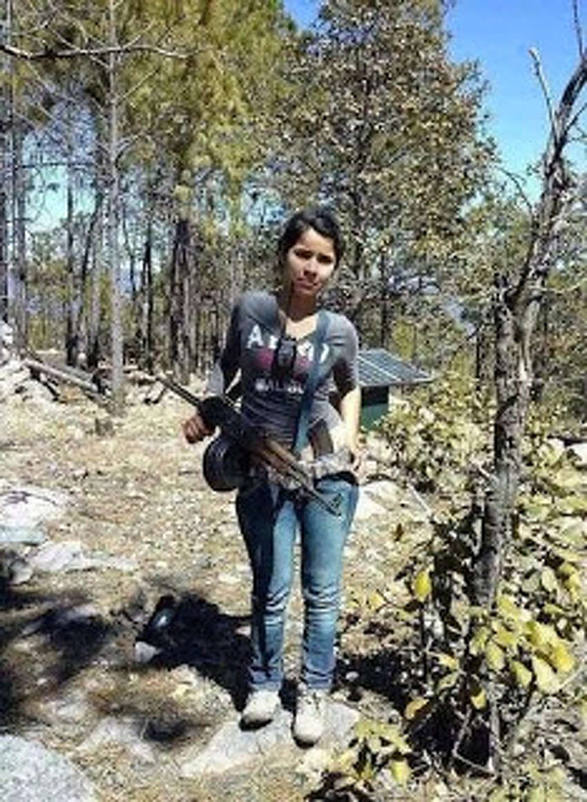 These women of various Mexican cartels love guns and social media even more.