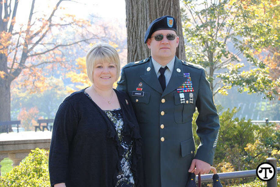 Staff Sgt. Sean Johnson and his wife Melissa are helping create a veteran's community center. (NAPS)