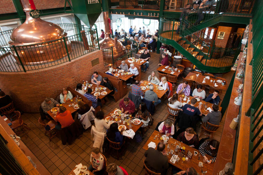 Hour photo/Chris Palermo. Diners enjoy the last brunch at The Brewhouse in South Norwalk sunday afternoon.