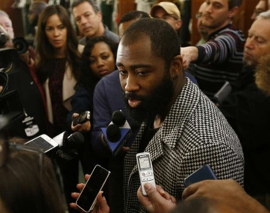 New York Jets cornerback Darrelle Revis talks to the media as the team clears out their lockers at the team's NFL football training facility, Monday, Jan. 4, 2016, in Florham Park, N.J. (AP Photo/Rich Schultz)