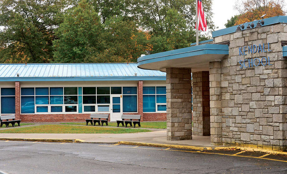 Hour photo / Erik Trautmann Kendall Elementary School.