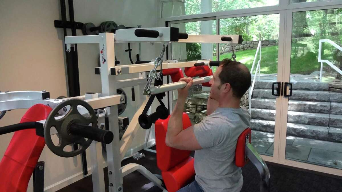 Daniel Pachter demonstrates the Pure Conditioning fitness regimen at the