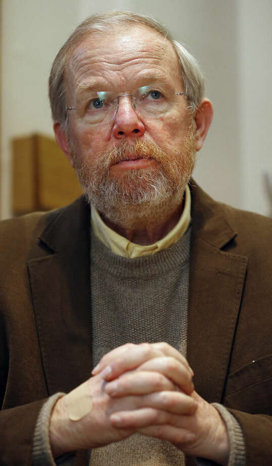"US author Bill Bryson during an interview with The Associated Press in London, Wednesday, Jan. 6, 2016. Bryson The Iowa-born writer, who takes an affectionate if sometimes exasperated look at his adopted country in ""The Road to Little Dribbling,"" cherishes Britain's landscape, its history, its architectural heritage, its people. He's not so keen on its reality-TV shows, its litter and _ this is a shock _ its beer.(AP Photo/Frank Augstein)"