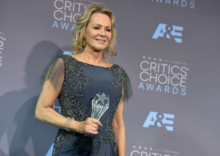 """Jean Smart poses in the press room with the award for best supporting actress in a movie made for television or limited series for """"Fargo"""" at the 21st annual Critics' Choice Awards at the Barker Hangar on Sunday, Jan. 17, 2016, in Santa Monica, Calif. (Photo by Jordan Strauss/Invision/AP)"""