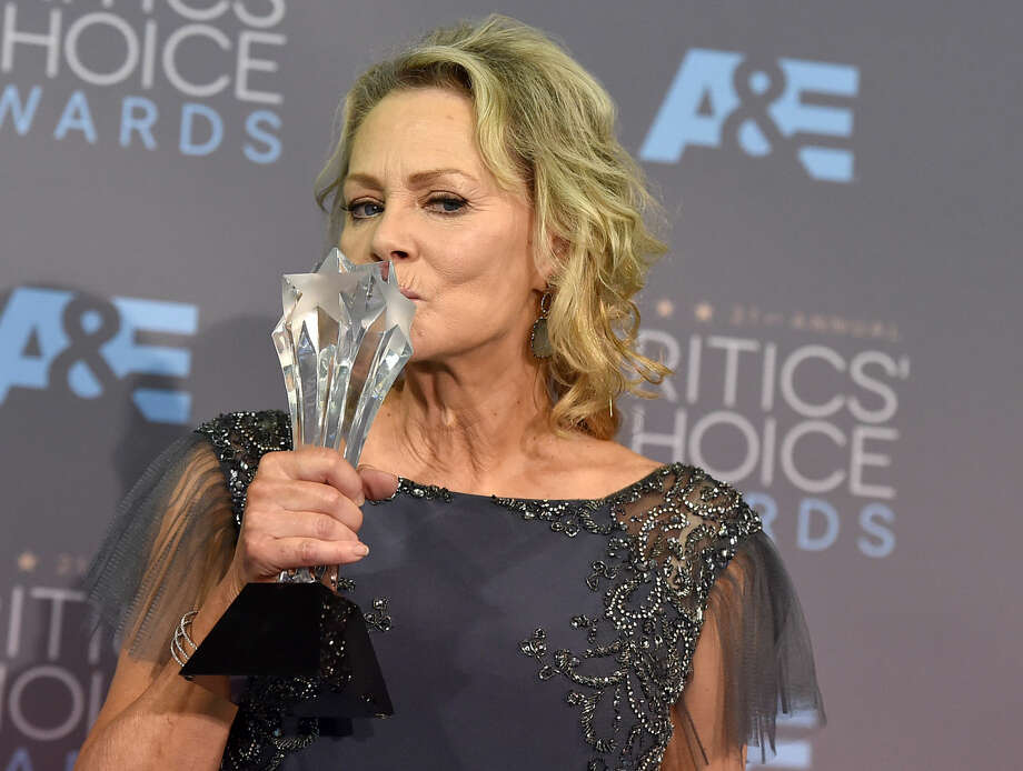 "Jean Smart poses in the press room with the award for best supporting actress in a movie made for television or limited series for ""Fargo"" at the 21st annual Critics' Choice Awards at the Barker Hangar on Sunday, Jan. 17, 2016, in Santa Monica, Calif. (Photo by Jordan Strauss/Invision/AP)"
