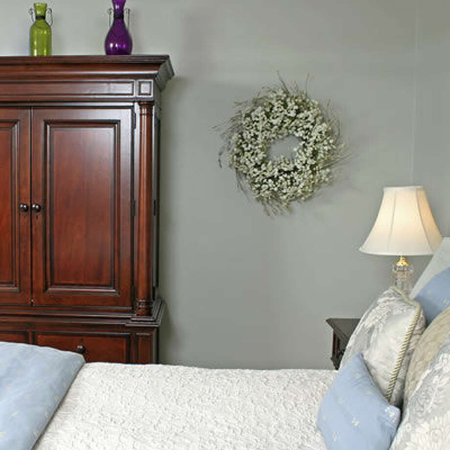 Create a Welcoming Guest Room