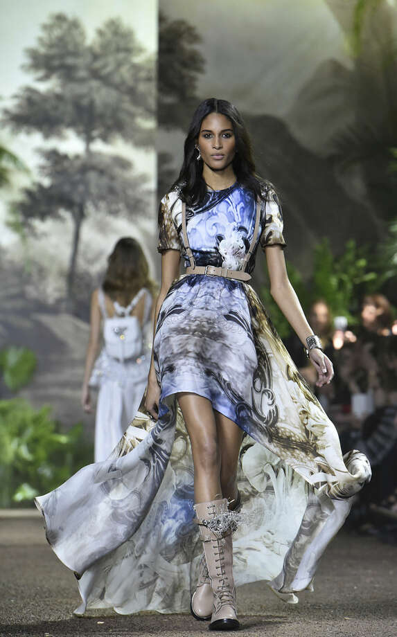 A model wears a creation for Elie Saab's Spring-Summer 2016 Haute Couture collection presented Wednesday, Jan. 27, 2016 in Paris. (AP Photo/Zacharie Scheurer)