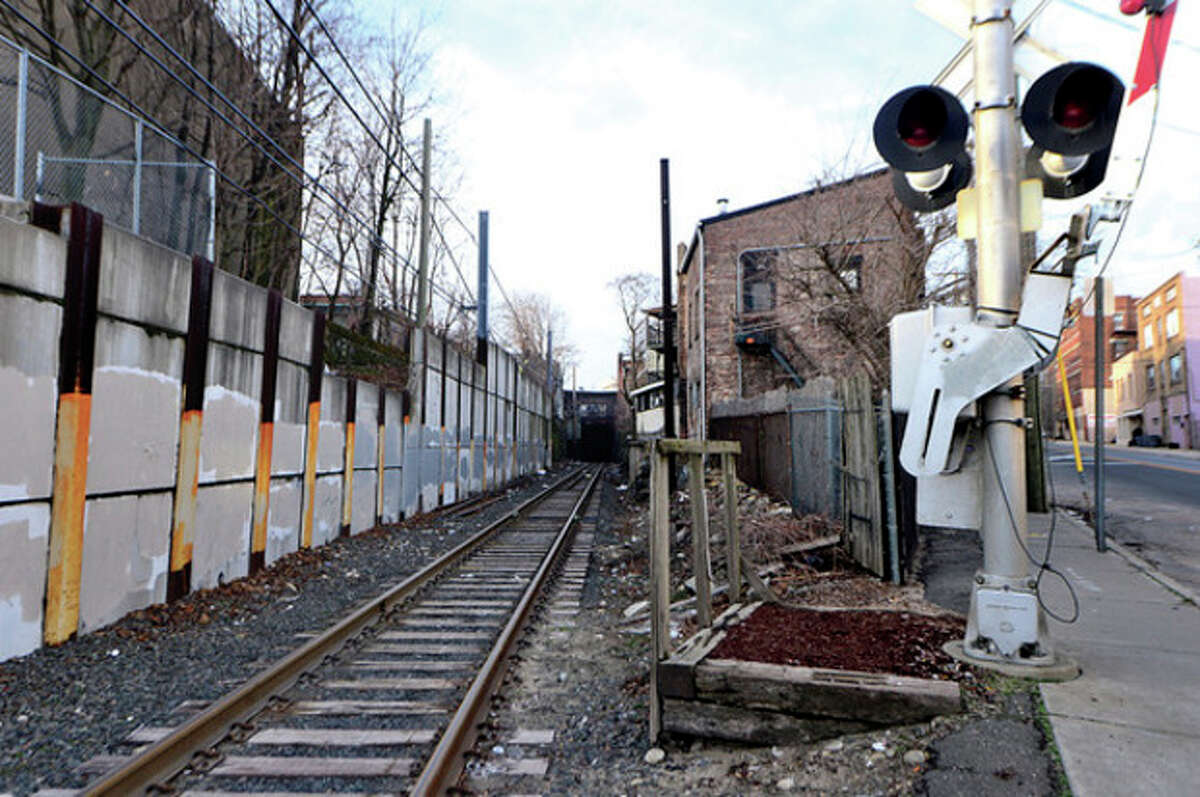 Hour photo / Erik Trautmann Proposed ConnDOT work to Wall Street bridge/ tunnel could close street for a week or two.