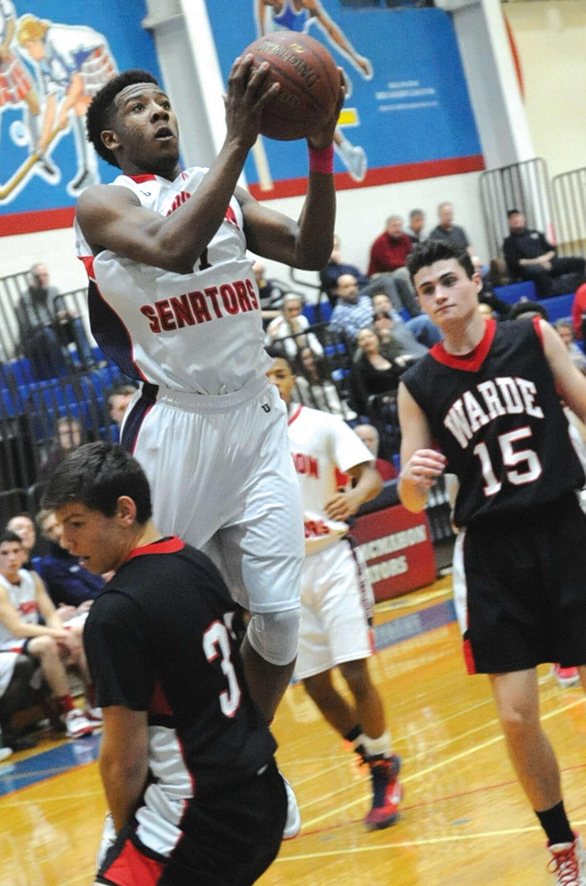 Jahmerikah Green Younger Brien McMahon basketball vs. Fairfield Warde. Hour photo/Matthew Vinci