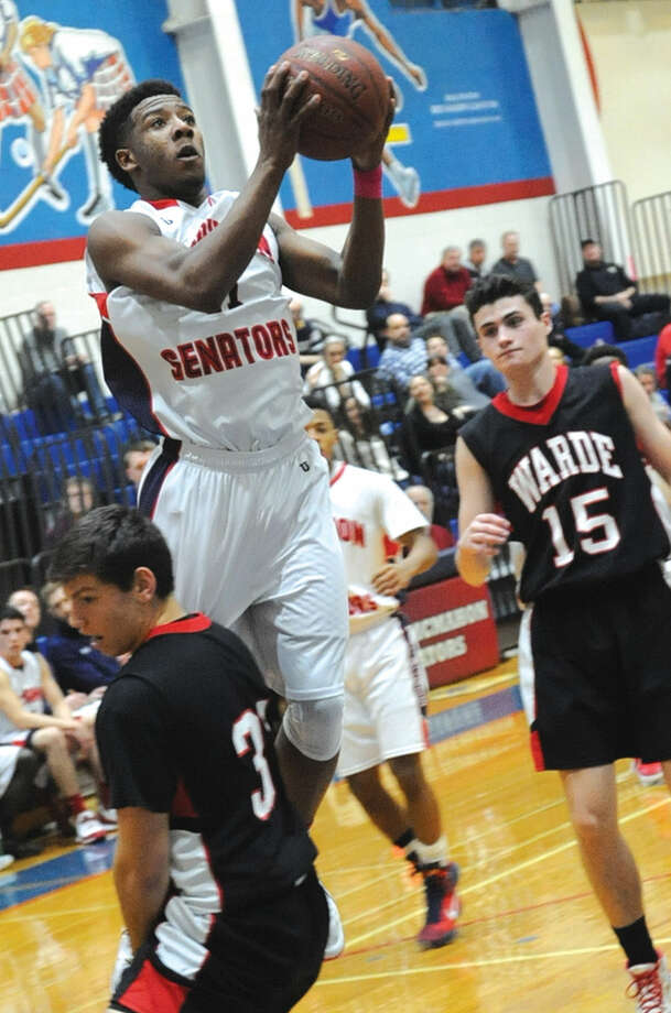 Jahmerikah Green Younger Brien McMahon basketball vs. Fairfield Warde. Hour photo/Matthew Vinci