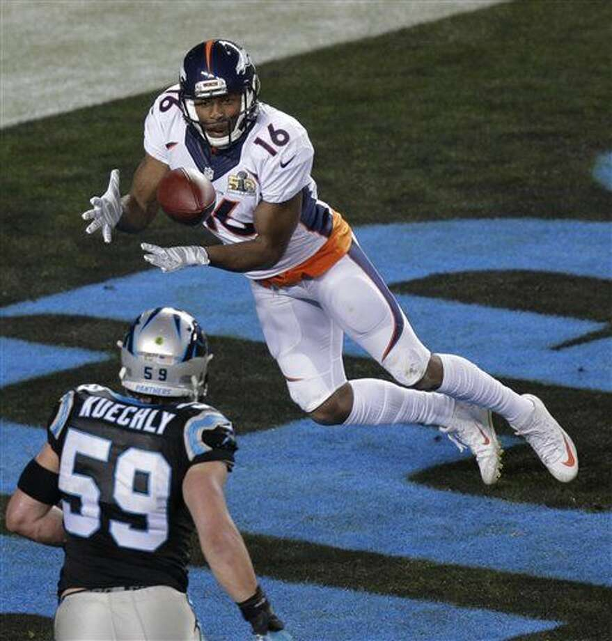 Denver Broncos' Bennie Fowler (16) catches a ball for a two-point conversion during the second half of the NFL Super Bowl 50 football game against the Carolina Panthers Sunday, Feb. 7, 2016, in Santa Clara, Calif. (AP Photo/Charlie Riedel)