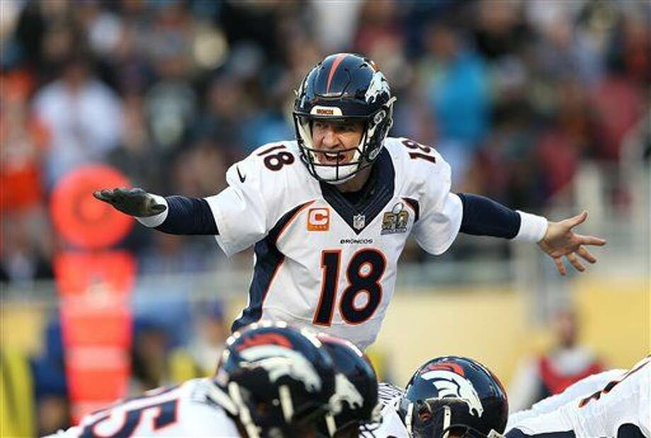 Denver Broncos quarterback Peyton Manning (18) calls out a play against Carolina Panthers during Super Bowl 50, Sunday, Jan. 7, 2016 in Santa Clara, Calif. (AP Photo/Doug Benc)