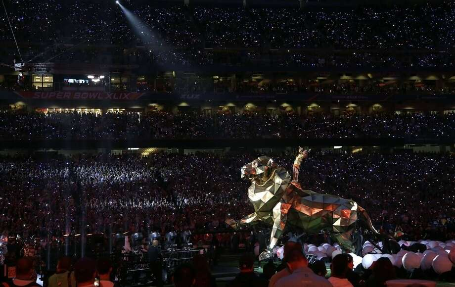 Katy Perry performs during halftime of NFL Super Bowl XLIX football game Sunday, Feb. 1, 2015, in Glendale, Ariz. (AP Photo/Matt Slocum)