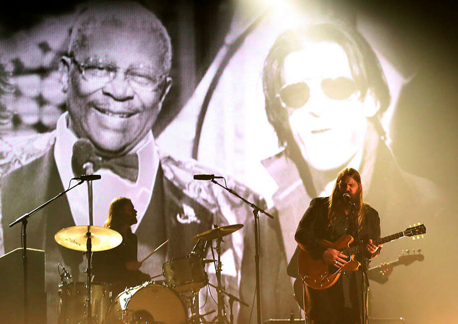 Chris Stapleton performs a tribute to B.B. King at the 58th annual Grammy Awards on Monday, Feb. 15, 2016, in Los Angeles. (Photo by Matt Sayles/Invision/AP)