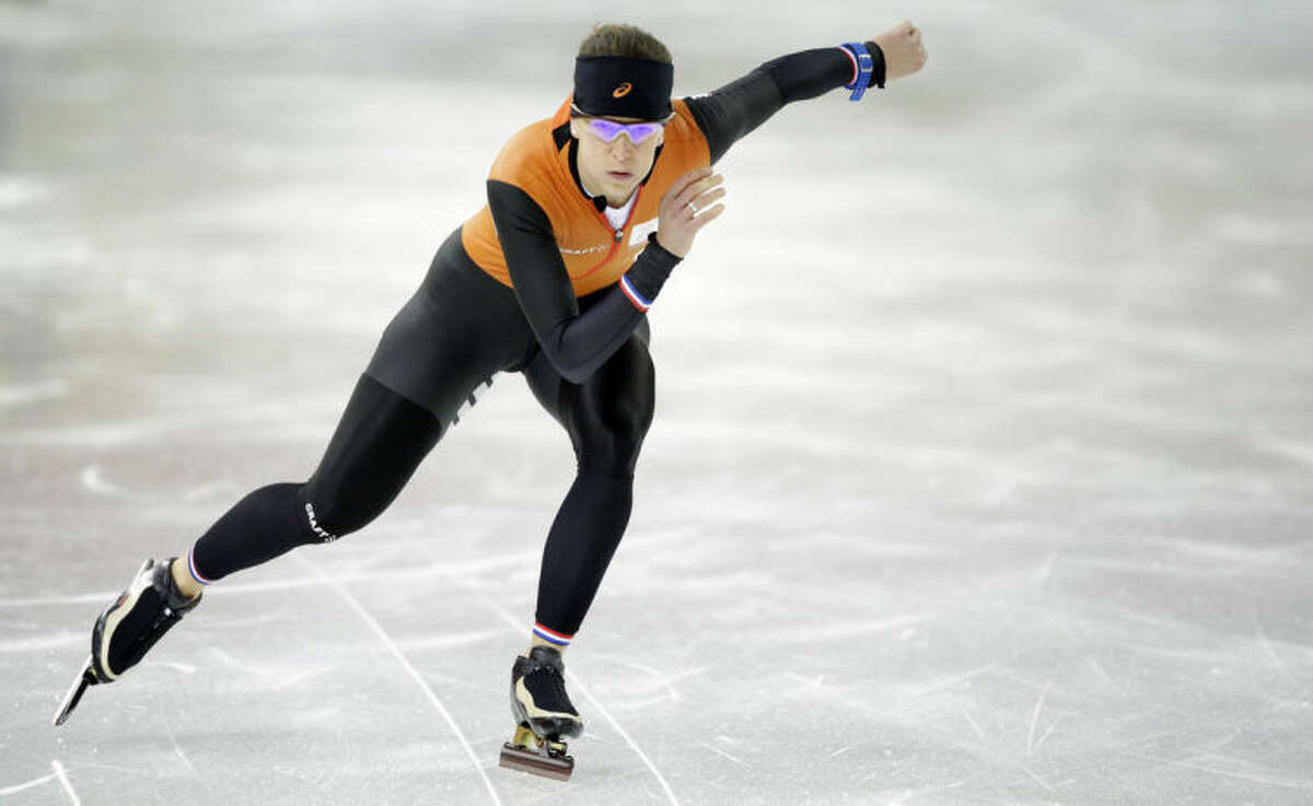 Speedskater Ireen Wust of the Netherlands trains at the Adler Arena Skating Center during the 2014 Winter Olympics in Sochi, Russia, Thursday, Feb. 6, 2014. (AP Photo/Patrick Semansky)