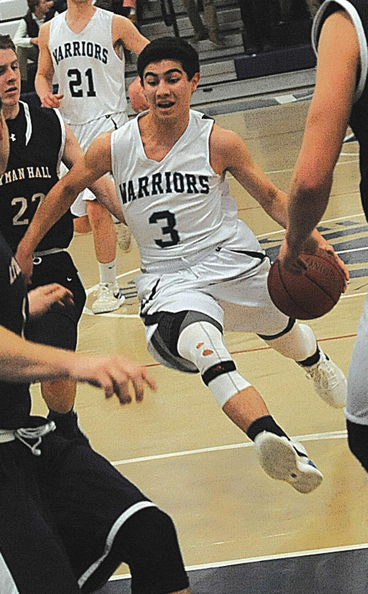 #3 Wilton boys basketball Matt Kronenberg. Hour photo/Matthew Vinci