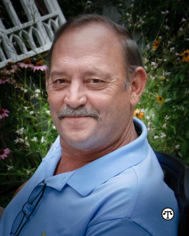 Gary, quien tiene cáncer de hígado, urge a todas las personas de su edad a que aprendan más sobre los factores de riesgo del cáncer de hígado. (NAPS)