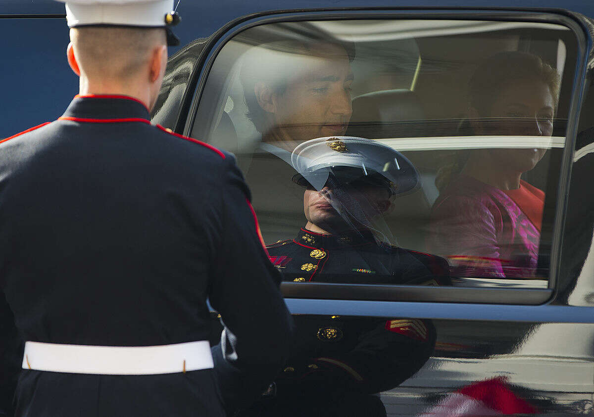 Canadian Prime Minister Justin Trudeau and his wife Sophie Grégoire, arrive in their vehicle to be greeted by President Barack Obama and first lady Michelle Obama, during an arrival ceremony, Thursday, March 10, 2016, on the South Lawn of the White House in Washington. (AP Photo/Pablo Martinez Monsivais)