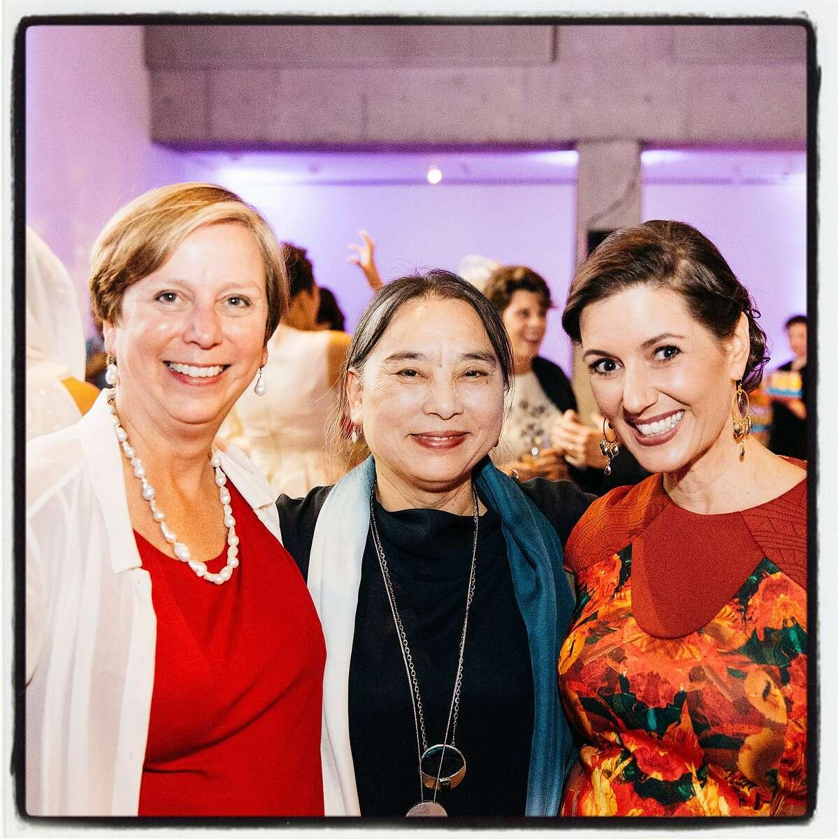 OCMA Executive Director Lori Fogarty (left) with artist Hung Liu and honorary chair, Oakland Mayor Libby Schaaf at the Ziggurat Gala. June 2016. Greg Petersen Photography