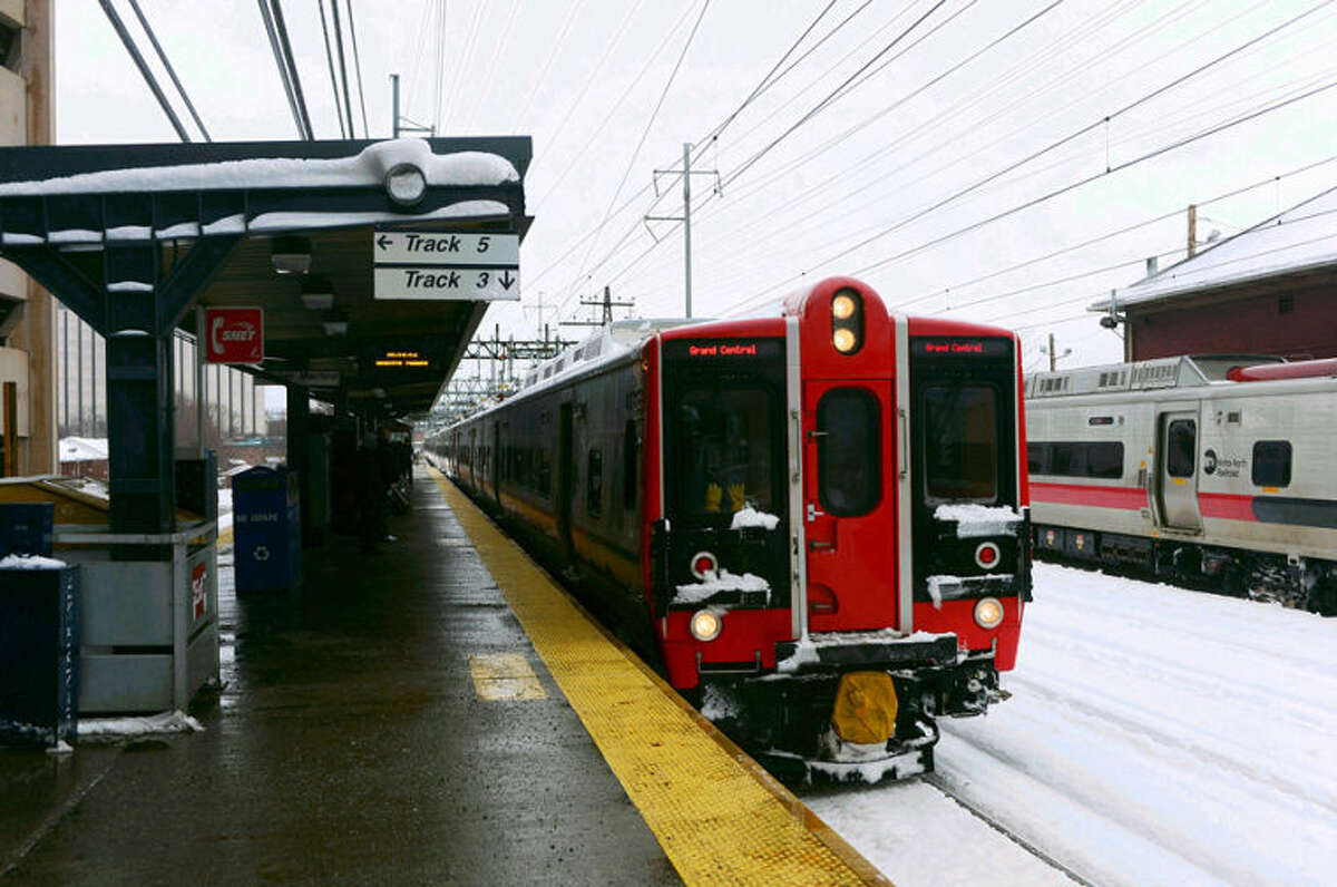 Hour photo / Erik Trautmann Metro-North trains were delayed most of the day due to snowstorm Pax.