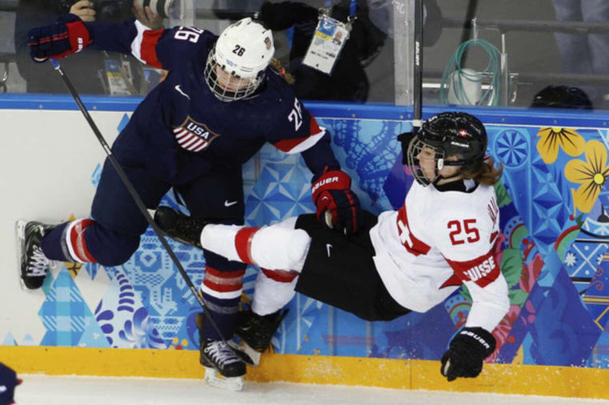 US hammers Swiss in Olympic women's hockey