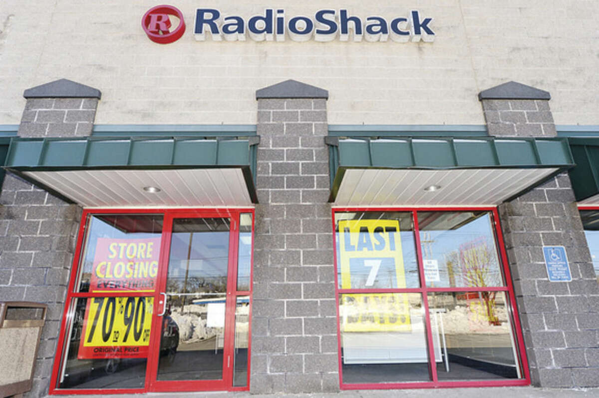 Hour photo / Erik Trautmann RadioShack on CT Ave in Norwalk is closing. RadioShack filed for bankruptcy on February 2nd of this year. 1,784 RadioShack stores will close by March 31.