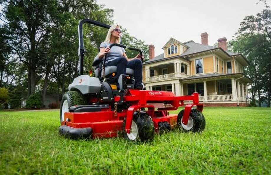 What to Know When Repairing Your Lawn Mower