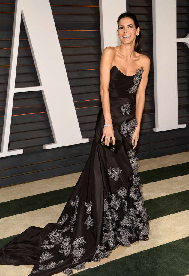 Angie Harmon arrives at the 2015 Vanity Fair Oscar Party on Sunday, Feb. 22, 2015, in Beverly Hills, Calif. (Photo by Evan Agostini/Invision/AP)