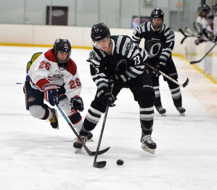 Hour Photo/Alex von Kleydorff Eastern Hockey League playoffs game 2 between the Connecticut Oilers and The Boston Junior Rangers
