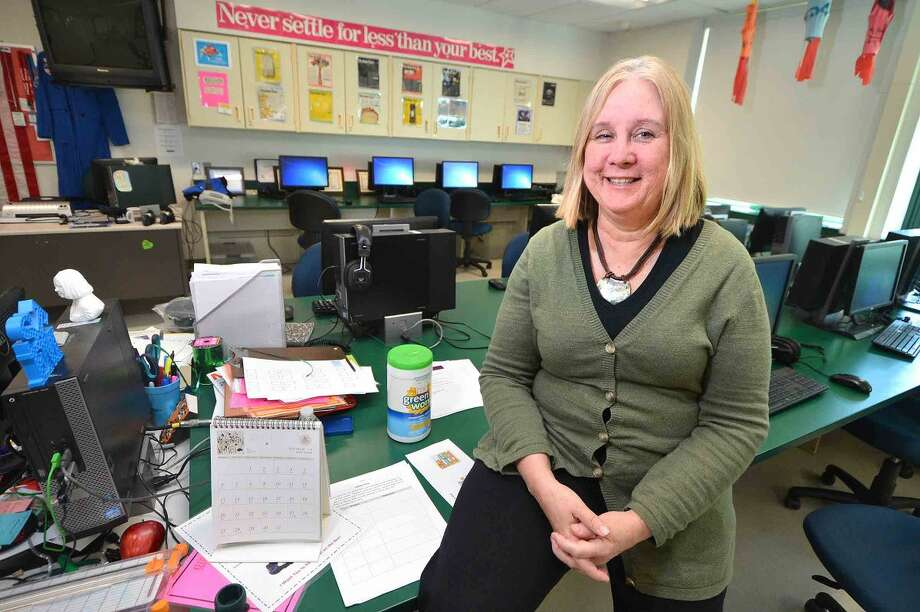 Scofield Magnet Middle School teacher Louise McMinn has been chosen for a 2016 Linblad Expeditions, National Geographic Grosvenor Teacher Fellowship and will travel to the Galapagos Islands.