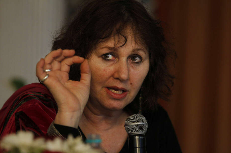 "British filmmaker Leslee Udwin addresses a press conference on her documentary film ""India's Daughter,"" about the Dec. 16, 2012 gang rape in a moving bus, in New Delhi, India, Tuesday, March 3, 2015. Mukesh Singh, one of the men convicted of raping and killing a woman in the brutal 2012 gang attack on a New Delhi bus said in a TV documentary that if their victim had not fought back she would not have been killed. The film will be shown on March 8, International Women's Day, in India, Britain, Denmark, Sweden and several other countries. (AP Photo/Altaf Qadri)"