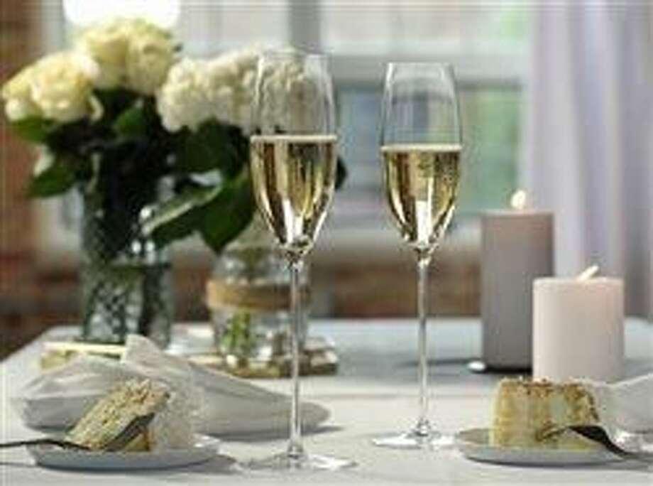 4 wine buying tips for weddings