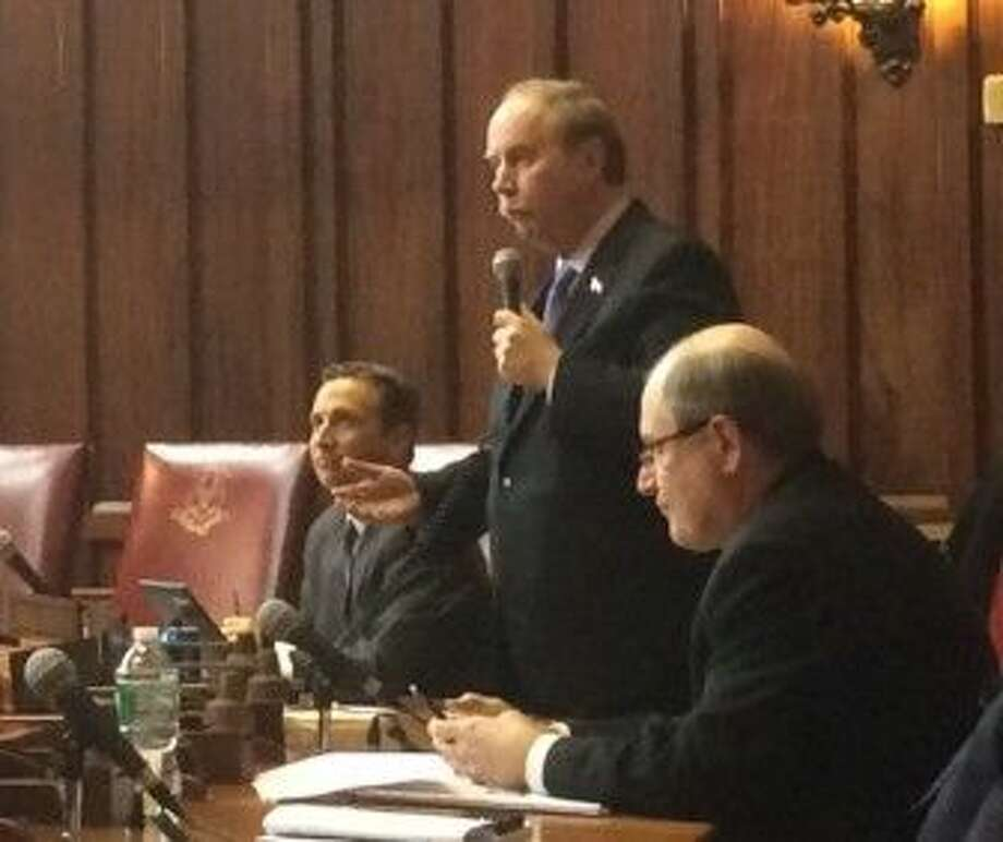CTMIRROR.ORGSen. Michael McLachlan objecting to resolution sponsored by Sen. Bob Duff, left.