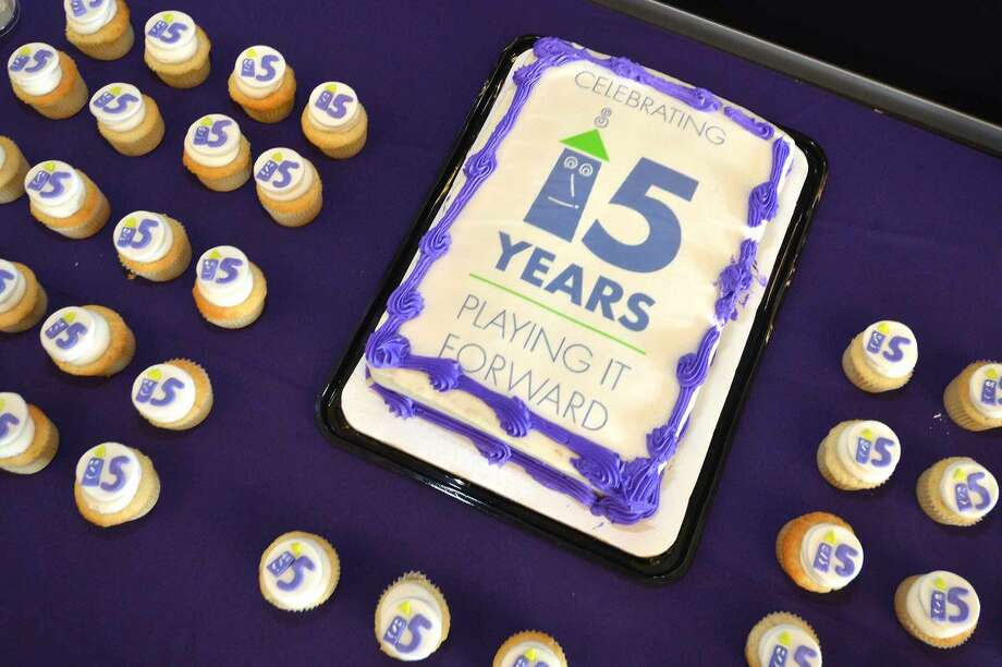 Hour Photo/Alex von Kleydorff Cake for the 15 yr anniversary at Stepping Stones Museum for Children President