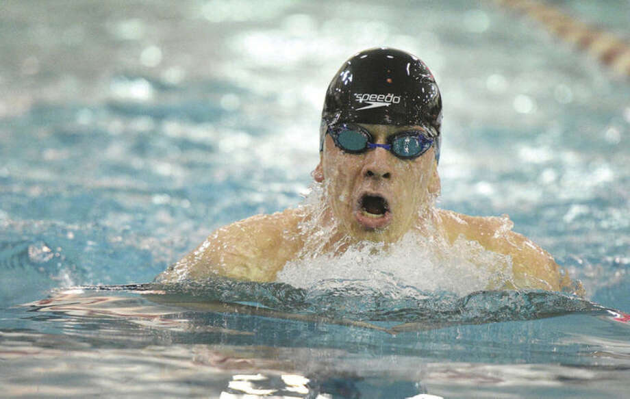 Hour Photo/Alex von Kleydorff Norwalk's Eddie Donovan 200IM