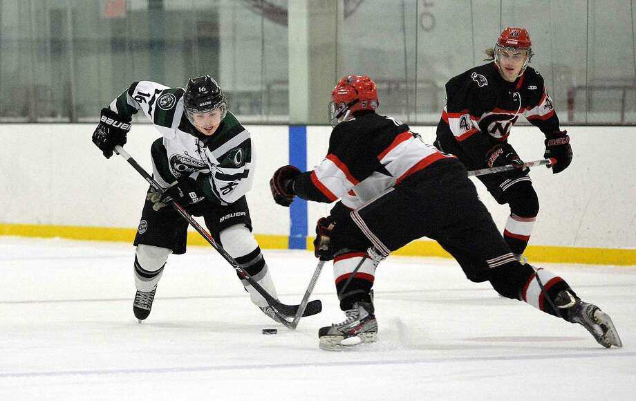 Hour Photo/Alex von Kleydorff Ct Oilers vs The Northern Cyclones during game 3 of the Eastern Hockey League Playoffs Game