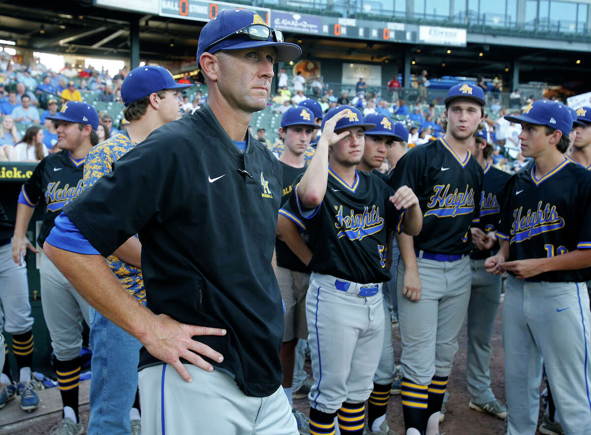 Alamo Heights head coach Jason Thompson stands with his team before the UIL state baseball 5A championship in Round Rock on June 10, 2016.