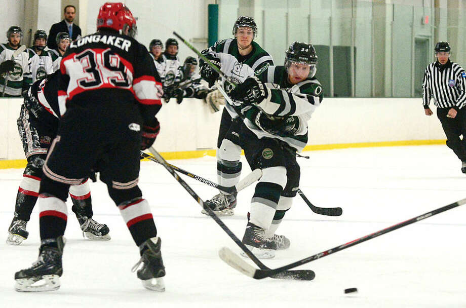 Hour photo / Erik Trautmann CTOilers hosting the Northeern Cyclones in game four of the Best of 5 EHLchampionship series.