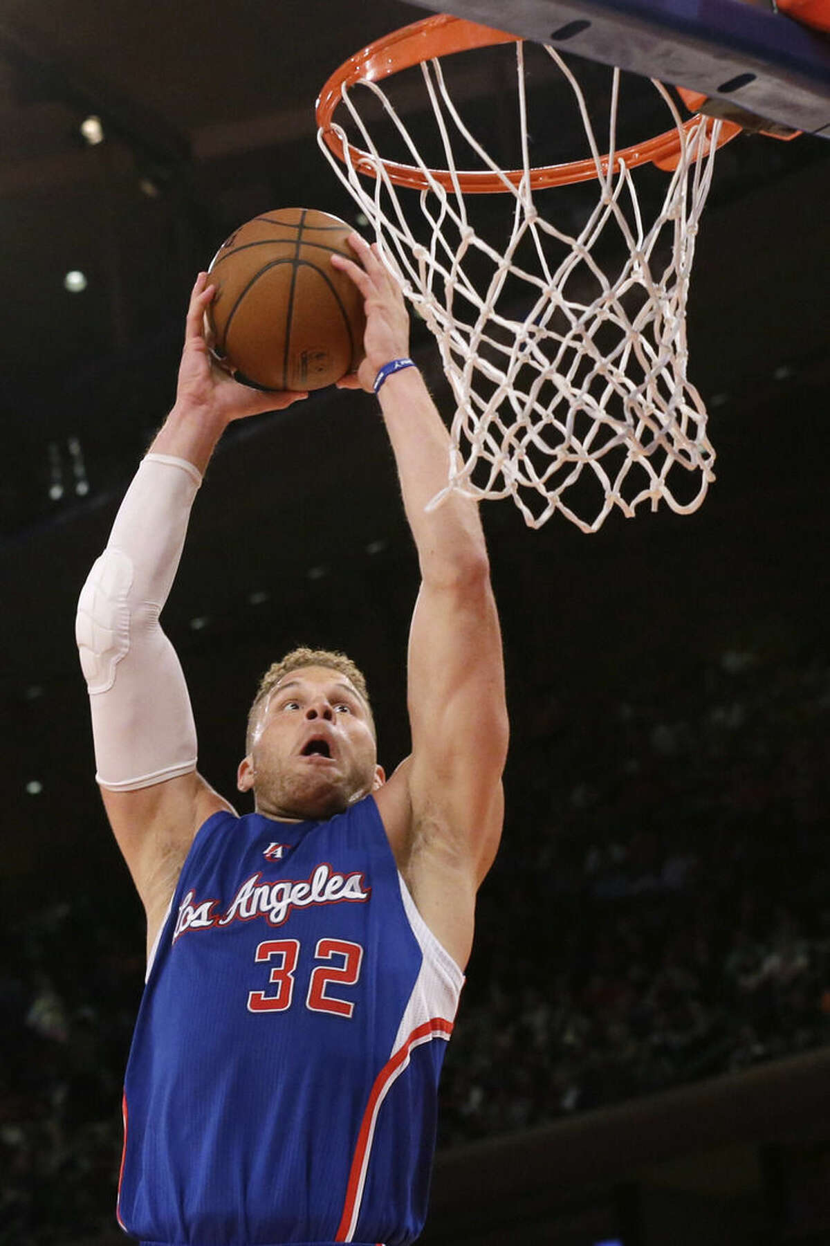 Los Angeles Clippers forward Blake Griffin dunks during the first half of an NBA basketball game against the New York Knicks, Wednesday, March 25, 2015, at Madison Square Garden in New York. (AP Photo/Mary Altaffer)