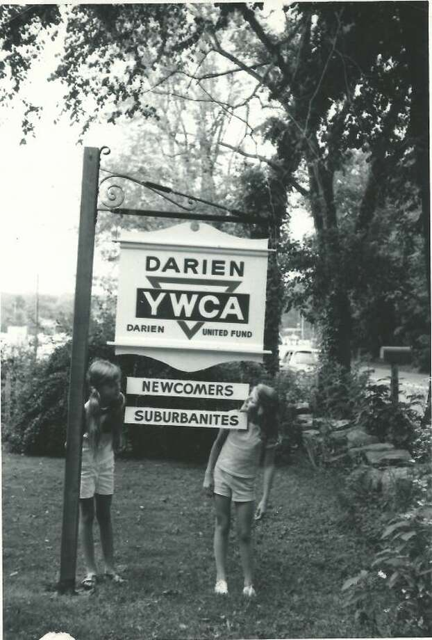 YWCA Darien/Norwalk to Hold Alumni Cocktail Party
