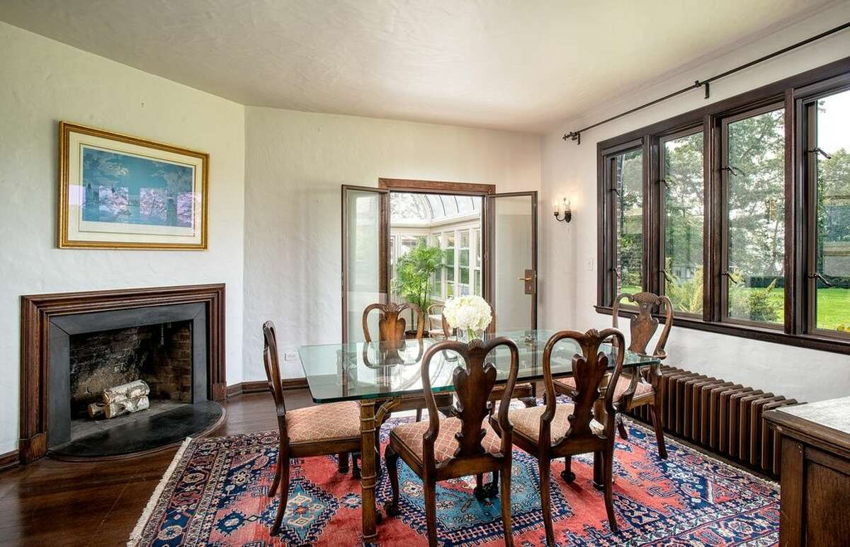 16 Point Rd, Norwalk, CT 068545 beds 4 baths2,798 sqft Features: Wet bar, stone patiowith covered dining area and water fountain, private beach, tennis courts, dock (Credit:Zillow)