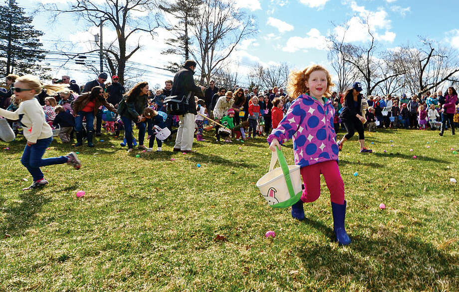 Hour photo / Erik Trautmann The Rowayton Community Association's annual Easter Egg Hunt Saturday at the Rowayton Community Center.