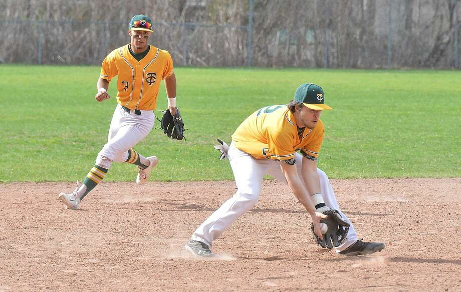 Hour Photo/Alex von Kleydorff Trinity Catholic Anthony Hoegemann vs Norwalk baseball