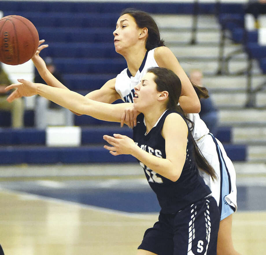 Girls Basketball: Wilton tops Staples, qualifies for FCIAC playoffs