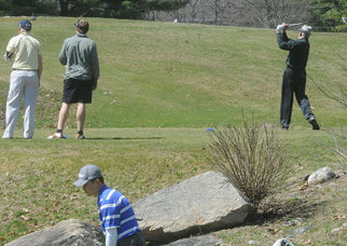 The first official day of golf at the Oak Hills Golf Course in Norwalk. Hour photo/Matthew Vinci