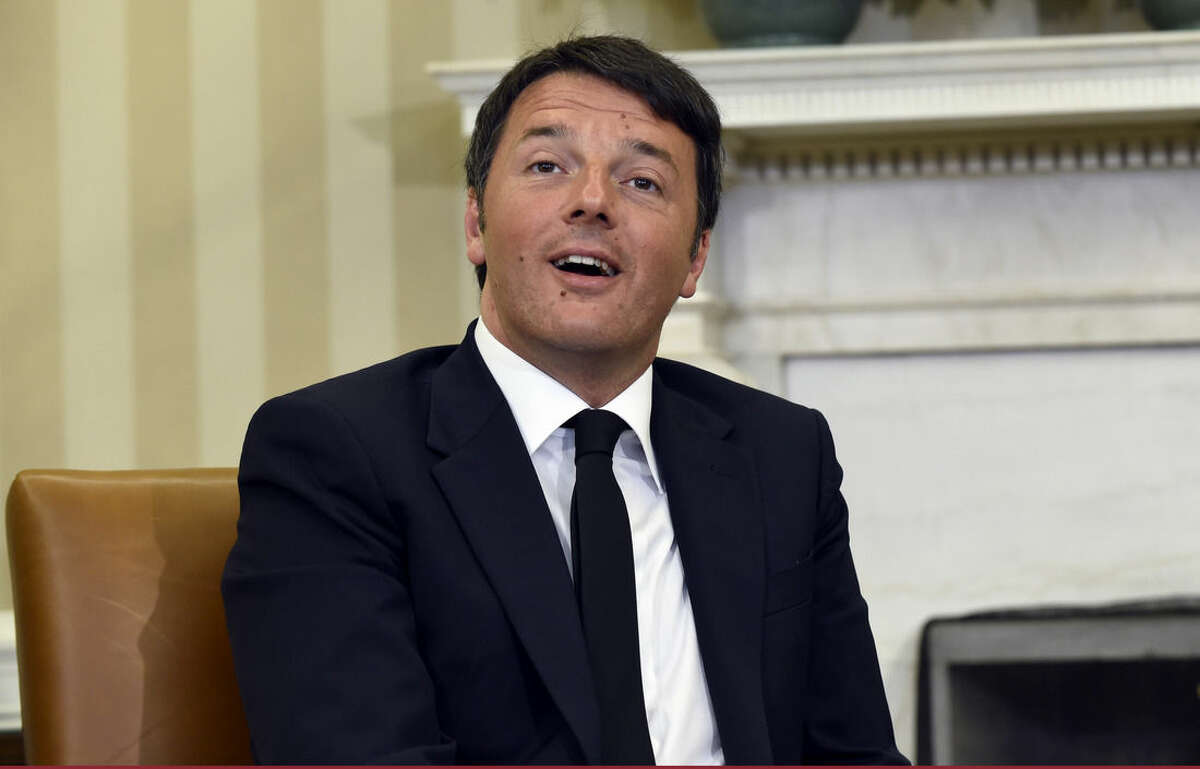 Italian Prime Minister Matteo Renzi meets with President Barack Obama in the Oval Office of the White House in Washington, Friday, April 17, 2015. The leaders are expected to discuss Europe's economy, a pending trade pact between the U.S. and Europe, climate change and energy security.(AP Photo/Susan Walsh)