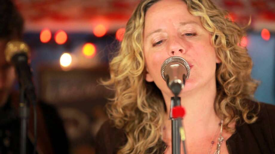 Amy Helm will perform a free concert at Mohegan Sun onSunday.Find out more:http://bit.ly/1WK2YGY
