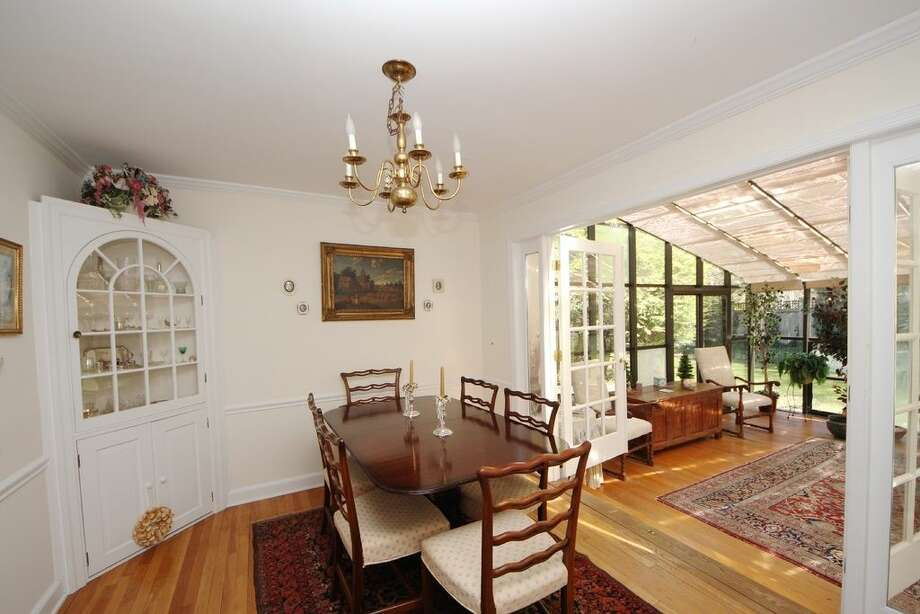 11 Rocaton Rd, Darien, CT 06820 0.4 miles from Darien Metro-North station For sale: $1,345,000 Features: 2 bedrooms, located in cul-de-sac